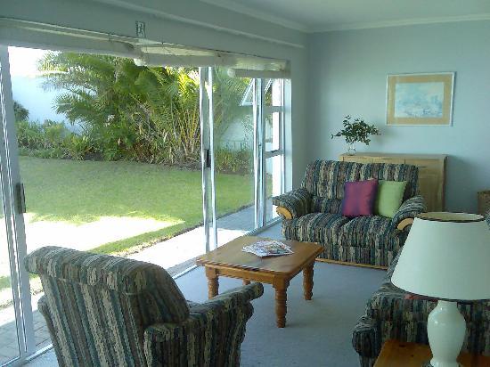 Africa Inspired: Sunny garden lounge
