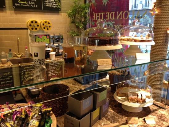 Sum: bubble tea et gâteaux