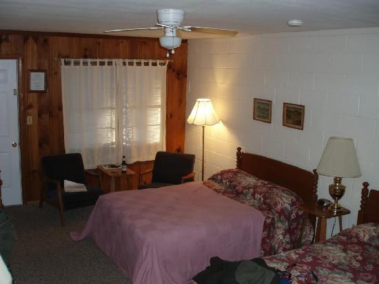 Parkview Lodge & Cabins: Parkview Lodge Room
