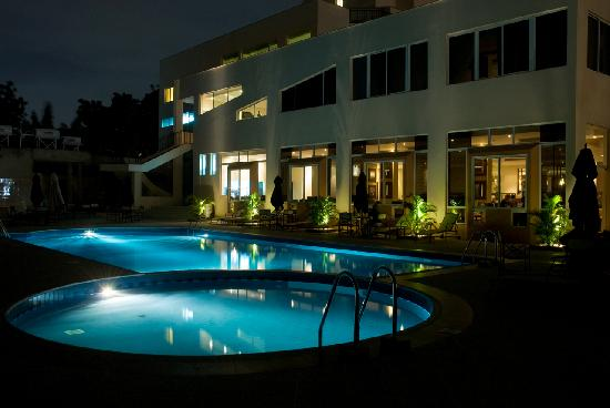 The African Regent Hotel: Poolside night view