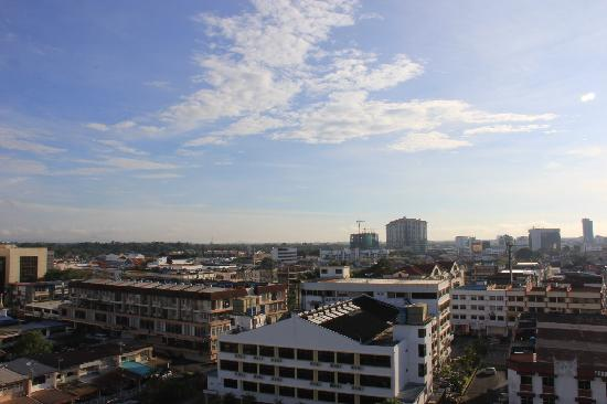 Grand Supreme Hotel: City view on a sunny day