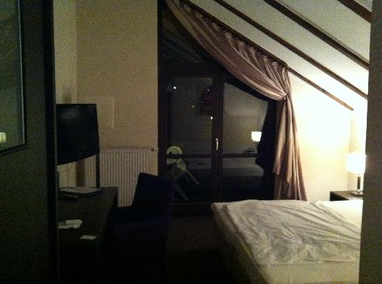 Hotel zur Post: LCD TV on the wall