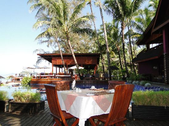 Amata Resort and Spa : площадка для завтрака