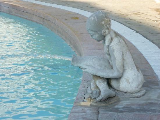 Кальдас-де-Малавелья, Испания: Incesante murmullo del agua