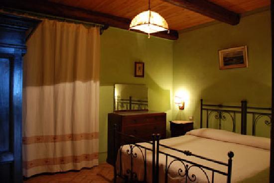 Borgo Sanguineto: La camera da letto