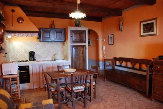Borgo Sanguineto: Il Soggiorno con angolo cottura