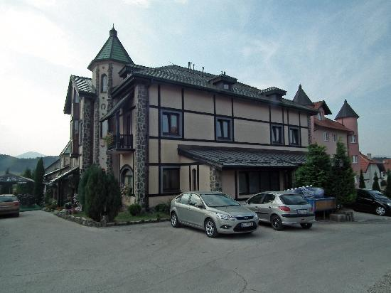 Club satelit spa reviews zlatibor serbia tripadvisor for 30 east salon reviews