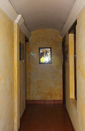 Posada Don Valentino: Hallway