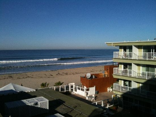 Surfer Beach Hotel: View from the room 402