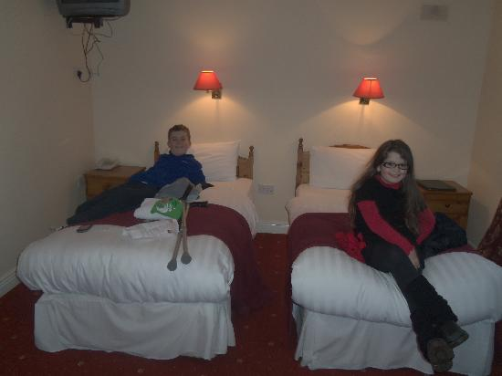 Waterloo Lodge: full size single beds for kids not a futon in sight