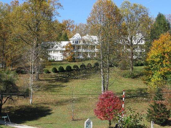 Balsam Mountain Inn & Restaurant: An historic luxury railway hotel.