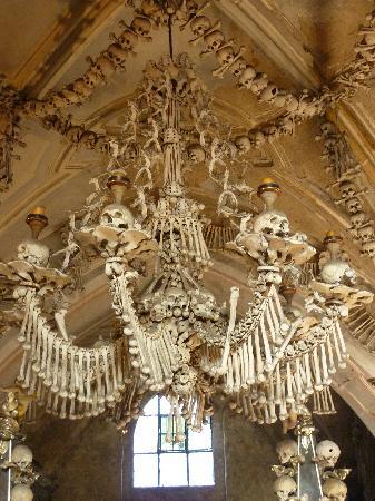 Sedlec Chapel: chandelier