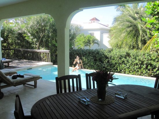 Meads Bay Beach Villas: Patio/Pool Villa 4