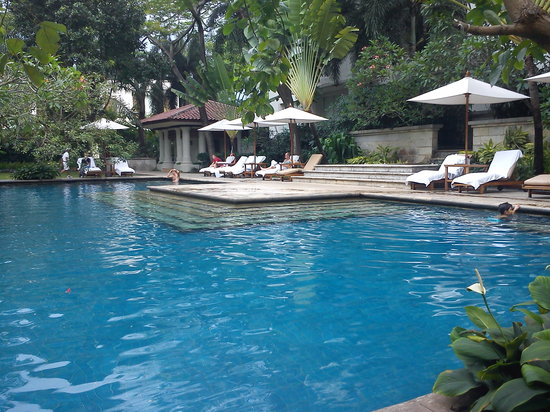 The Dharmawangsa Jakarta: The Pool