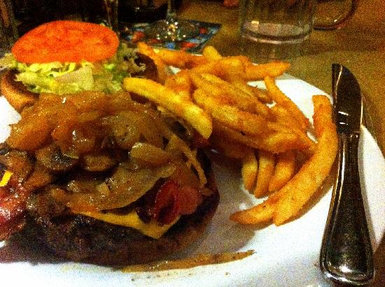 Red Elephant Pizza & Grill : The Elephant Burger