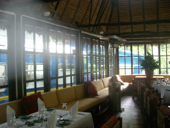 Café Inkaterra: Open Interior with space heater
