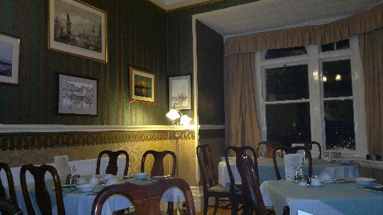 Glenfield House: Dining room at breakfast