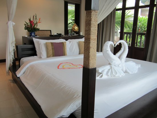 Anyavee Tubkaek Beach Resort: Special bed decor on 3rd day of stay