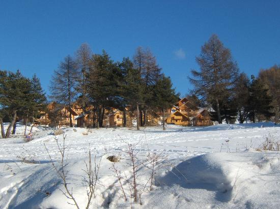 Residence Relais du Devoluy: la neige et la résidence de la crête du berger