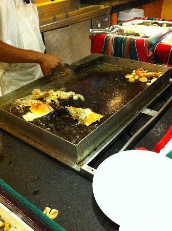 Hotel Barcelo Maya Beach : Buffet at Palace. Seafood not Fresh at this Buffet