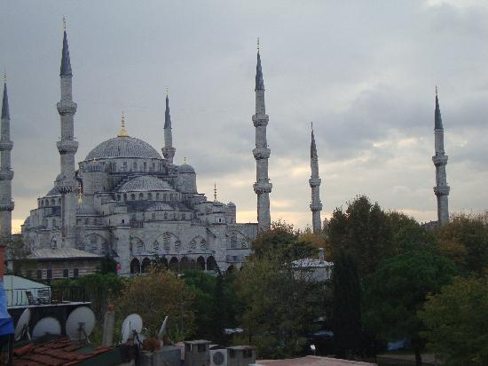 Uyan Hotel: Blue Mosque from the Rooftop