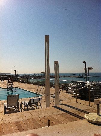 Hilton Tel Aviv: The Pool and the Sea View