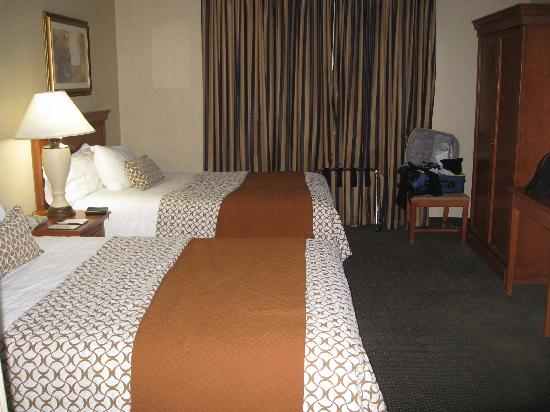 Embassy Suites by Hilton Denver Stapleton: Rooms, especially Bed Spreads, could use an upgrade