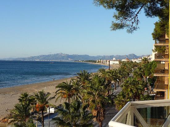 Hotel Casablanca Playa: vue du balcon vers le Sud et Cambrils