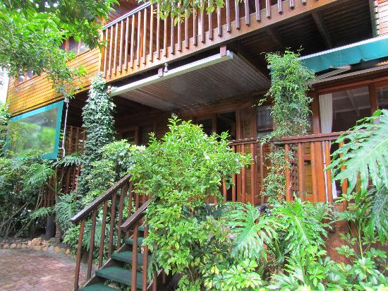 9 on Heron Knysna Bed & Breakfast: Another outside view