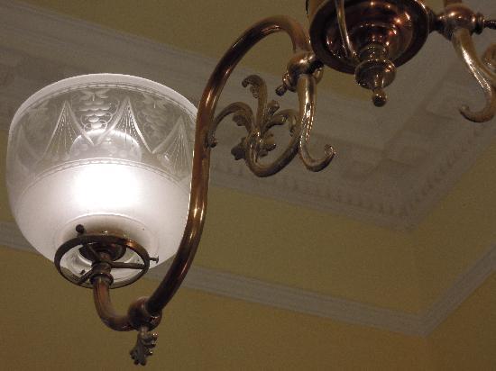 Petit Hotel El Vitraux: Lamp