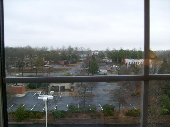 La Quinta Inn & Suites Atlanta Alpharetta: Looking north from the room