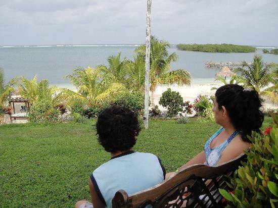 Turquoise Bay Dive & Beach Resort: Vista desde el hotel