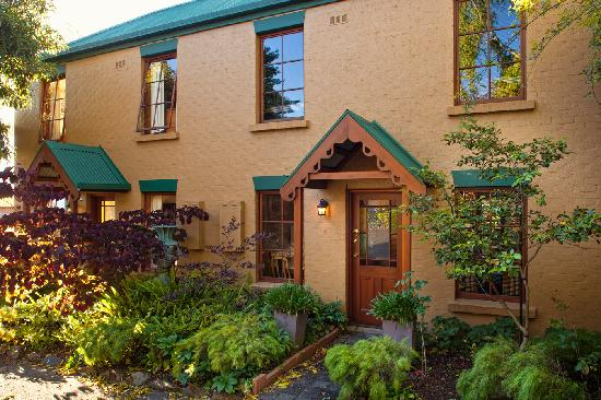 Fiona's Bed and Breakfast - Launceston B&B