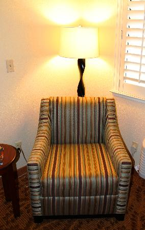 Governors Inn Hotel: Chair in suite