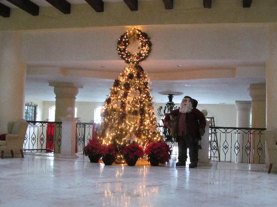 Lobby Christmas Tree & Santa - Picture of Secrets Capri Riviera ...
