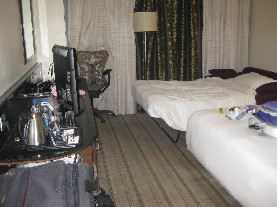 هيلتون جاردن إن نيودلهي/ساكيت: Bedroom with loveseat