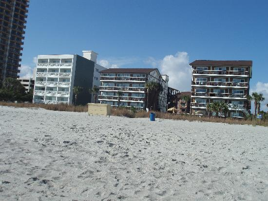 Riptide Beach Club: All three buildings are part of the Riptide. We stayed in the middle one.