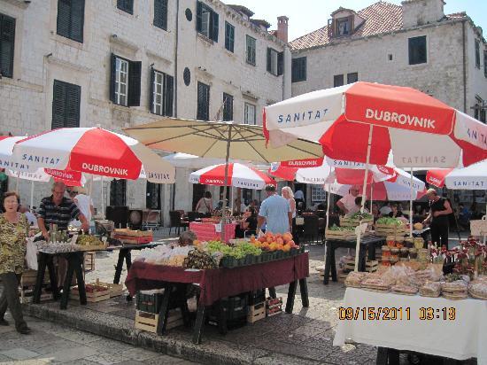 B&B Villa Dubrovnik Garden: Market place in Old City