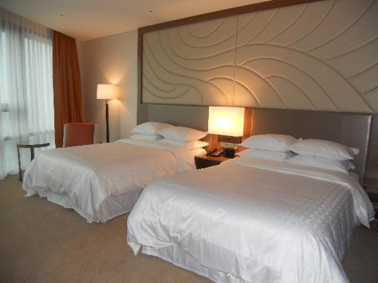 Sheraton Seoul D Cube City Hotel: 部屋は広くて快適