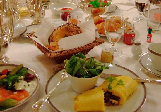 Hotel de Crillon: 絶品マッシュルーム入りオムレツ