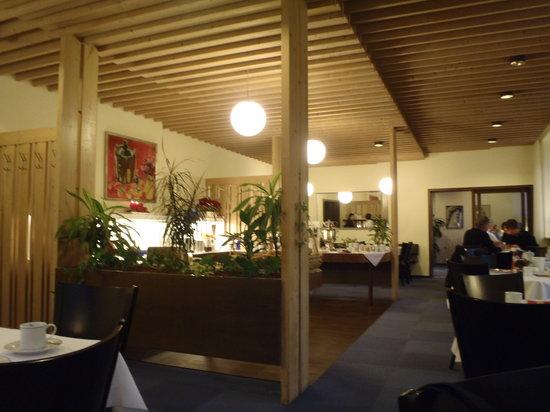 Dom Hotel: Breakfast room