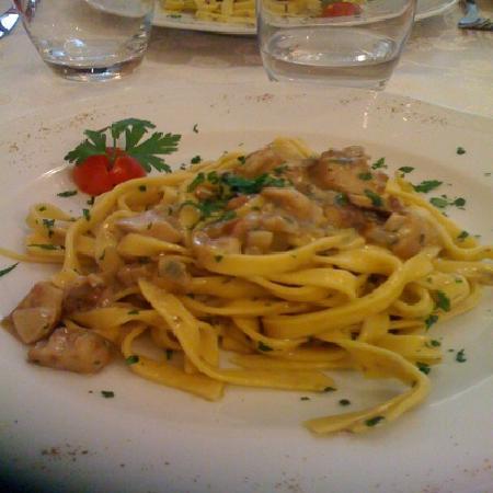 Pasta fatta in casa con funghi porcini picture of ristorante antica valeriana zone tripadvisor - Pasta fatta in casa ...