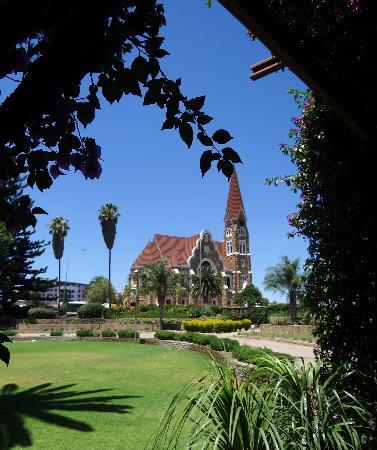 Safari Court Hotel : Kirche in Windhoek