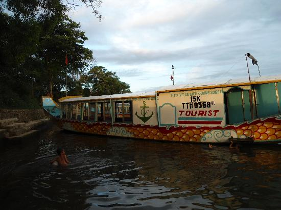 Hue Photo Tours: One of the houseboats