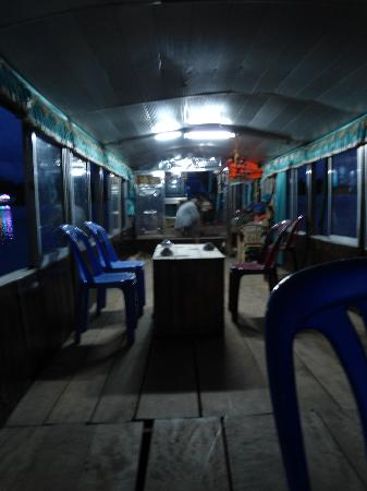 Hue Photo Tours: On the houseboat