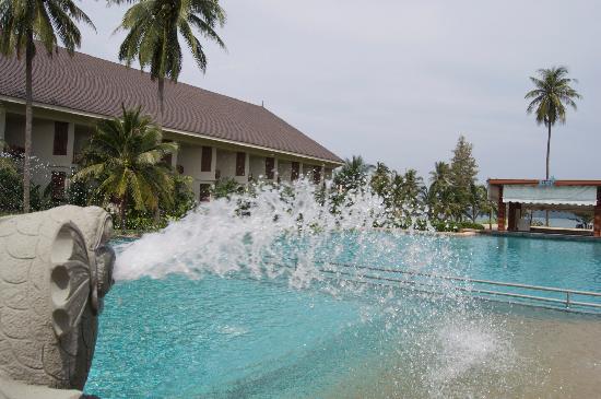 Novotel Chumphon Beach Resort&Golf: Pool area