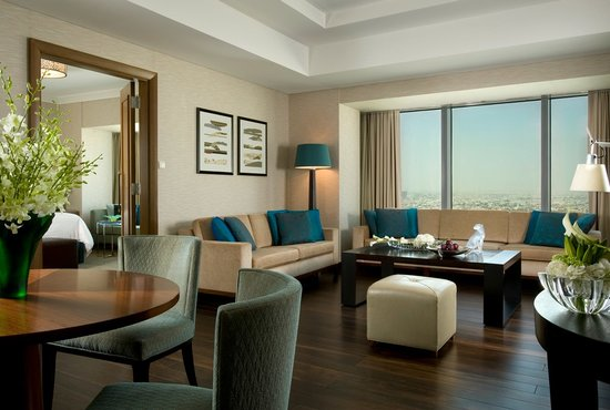 Four Seasons Hotel Riyadh at Kingdom Centre: Superior Suite