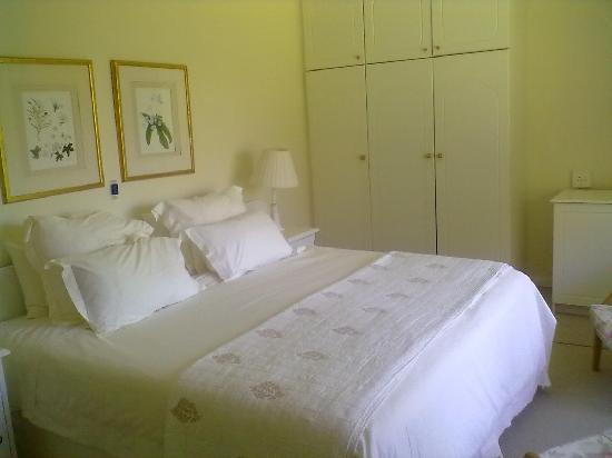 Klein Bosheuwel Guest House: room