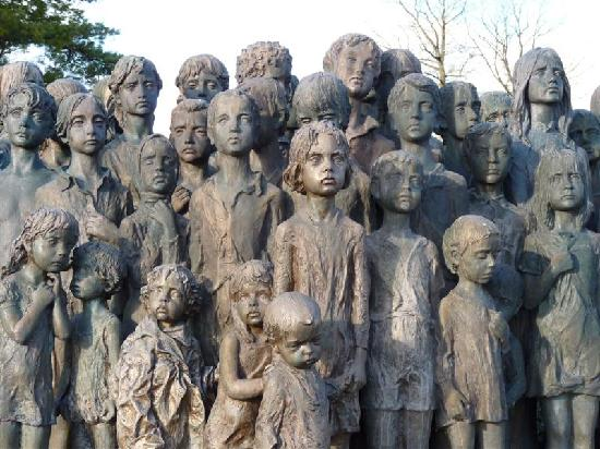 Lidice Memorial: Aspec oh the Cildren of Lidice statue