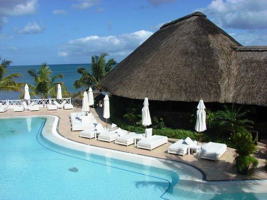 Maritim Resort & Spa Mauritius : pool from lovely hotel